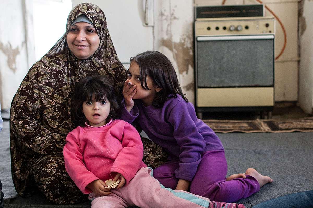 jordanien gezielte hilfe f r frauen und kinder caritas. Black Bedroom Furniture Sets. Home Design Ideas